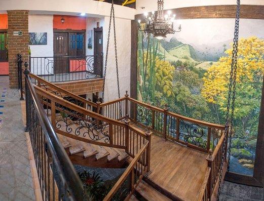 ESCALERAS Hotel Salento Real Eje Cafetero