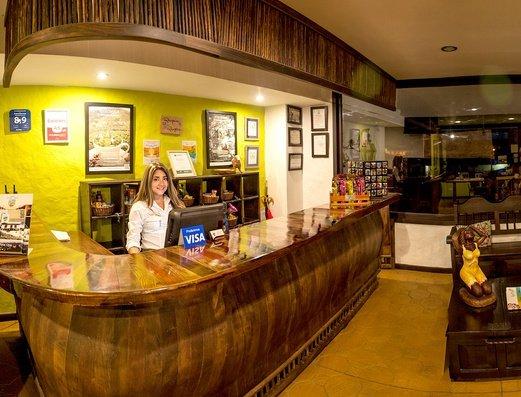 RECEPCIÓN Hotel Salento Real Eje Cafetero