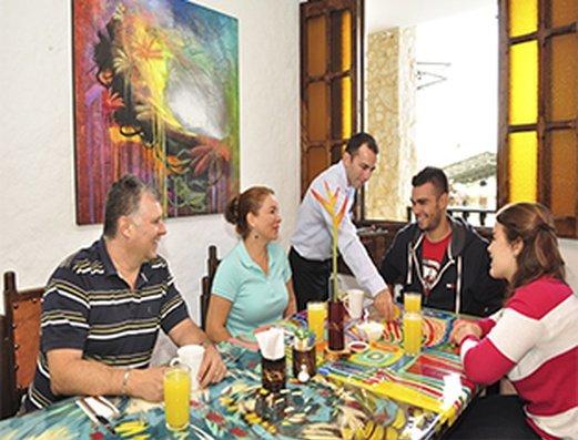COMPARTIENDO EN FAMILIA Hotel Salento Real Eje Cafetero